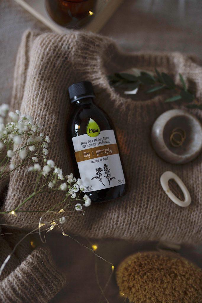 Rozgrzewający masaż olejem z gorczycy